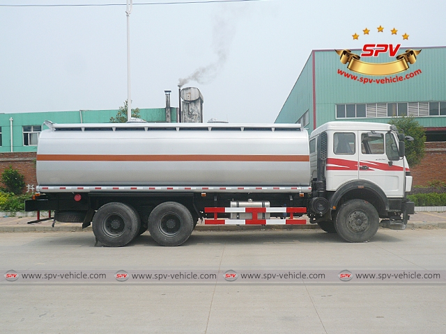 21,000 Litres (5,500 Gallons) Oil Tank-North Benz-Red-S