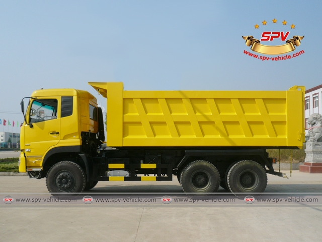 Left Side View of Dump Truck Dongfeng (6X4)