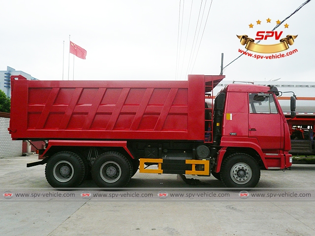 Right Side View of Dump Truck Sinotruk (6X4) to Nigeria
