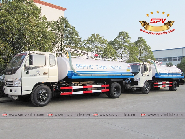 Liquid waste disposal truck Foton are waxed to prevent sea water corrosion during shipment