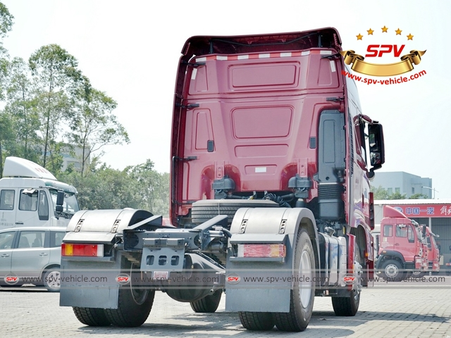 Right back side view of HYUNDAI Prime Mover