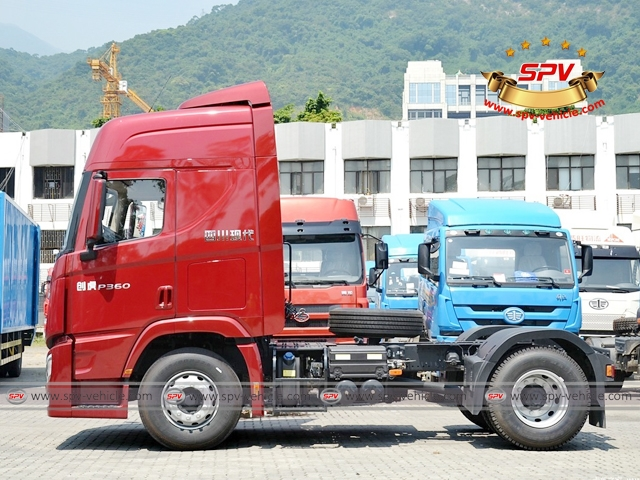 Side view of HYUNDAI Prime Mover