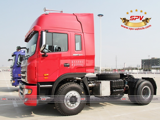 Front side view of JAC Towing Truc (300HP)