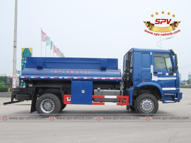 Side view of 4X4 Fuel Tank Truck