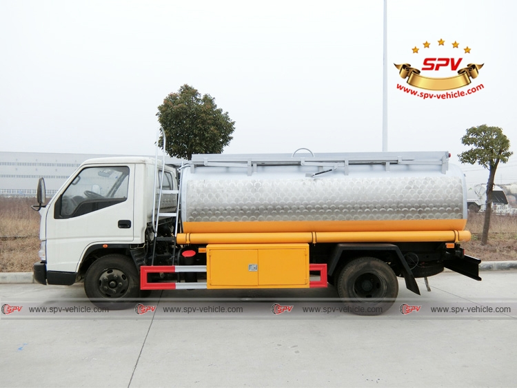 Side View of Stainless Steel Fuel Tanker JMC