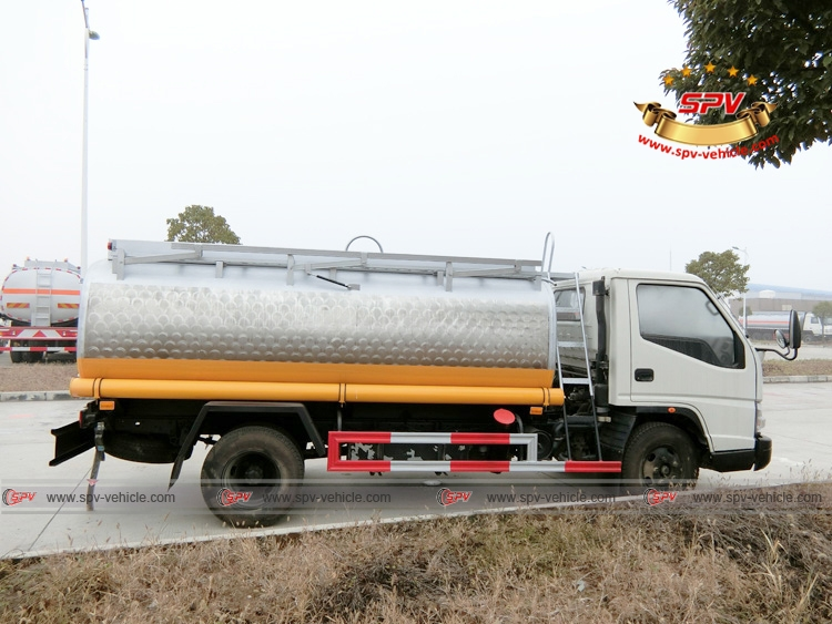 Right Side View of Stainless Steel Fuel Tanker