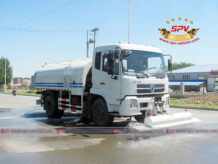 Multi-function Water Jetting Truck Dongfeng Kingrun-RF-Working