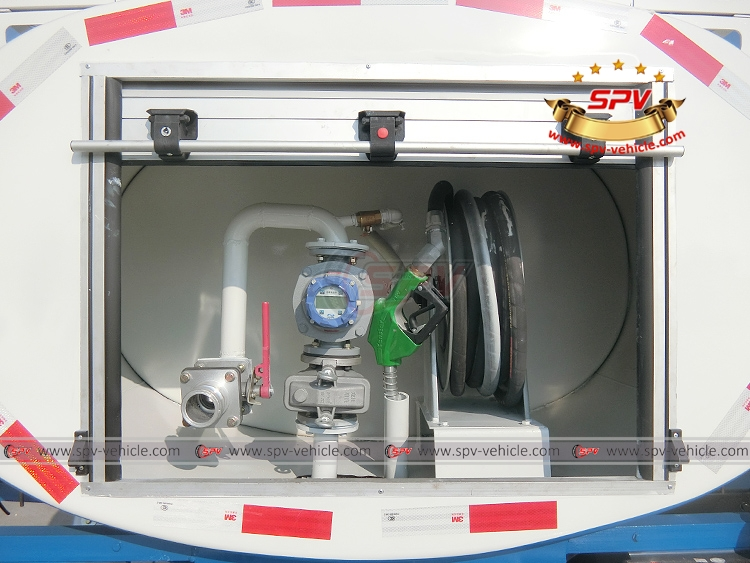 Fuel Tank Truck ISUZU - Flow Meter and Howse Reel with Nozzle