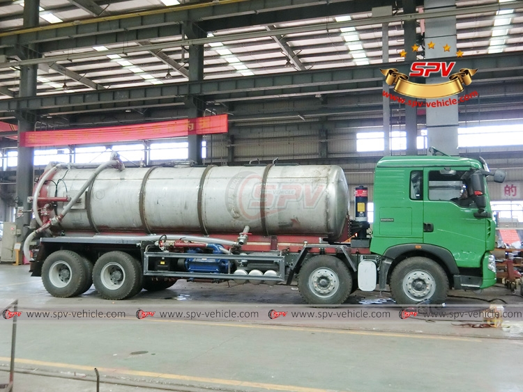 18 CBM Stainless Steel Vacuum Tank Sinotruk - In Workshop - 1