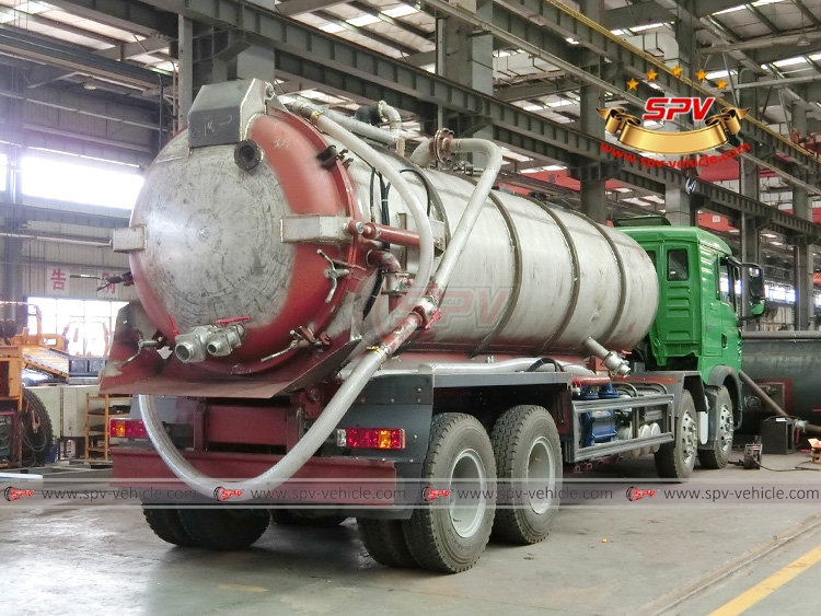 18 CBM Stainless Steel Vacuum Tank Sinotruk - In Workshop - 2