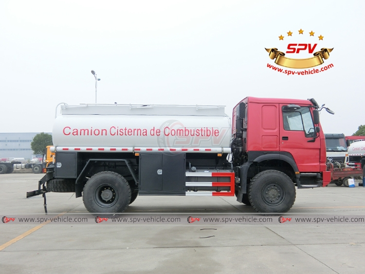 10,000 Litres 4X4 Fuel Tank Truck Siontruk - RS