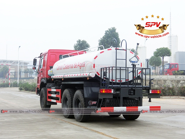 10,000 litres Off-road Water Tanker Truck Sinotruk - LB