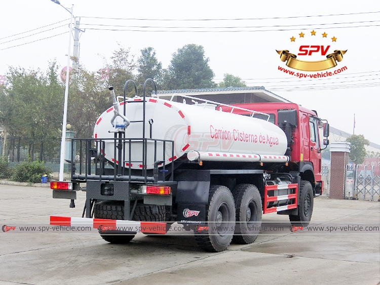 10,000 litres Off-road Water Tanker Truck Sinotruk - RB