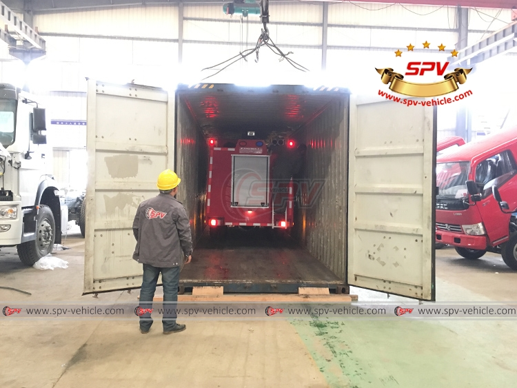Fire Apparatus ISUZU - Loading into Container - 2