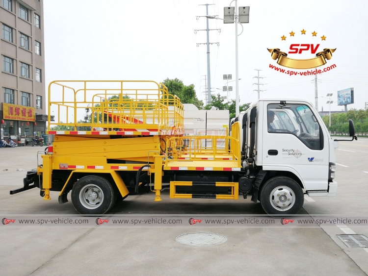 Lift Platform Truck ISUZU and Road Sweeper Truck - RS