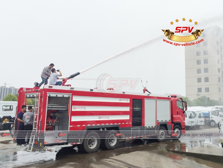 Fire Engine ISUZU - Water Testing - 1