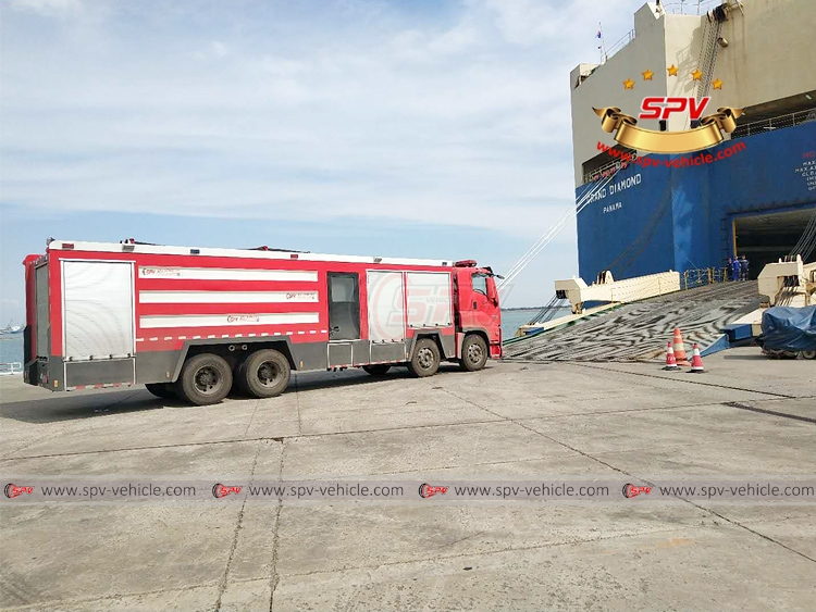 Fire Engine ISUZU - Loading into RORO Vessel