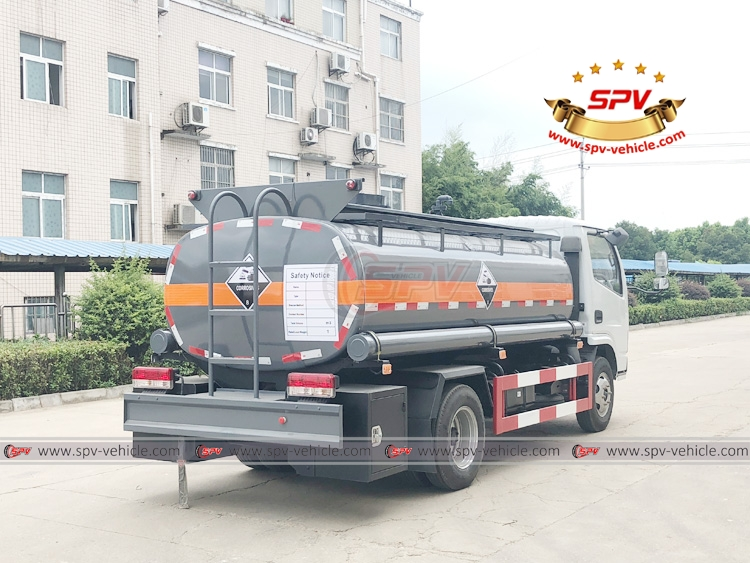 5,000 litres Chemical Liquid Truck Dongfeng - RB