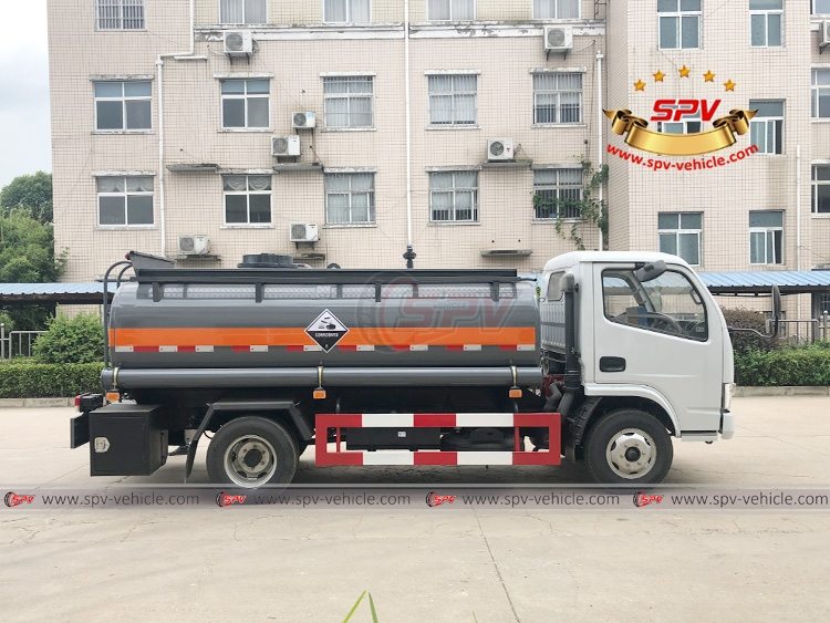 5,000 litres Chemical Liquid Truck Dongfeng - RS