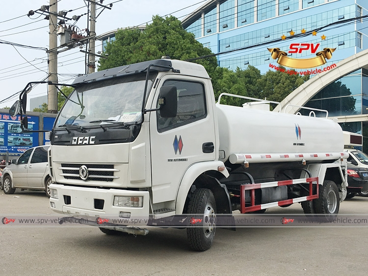 To Philippines – 1 unit of water sprinkling truck Dongfeng is shipping to Shanghai port today.
