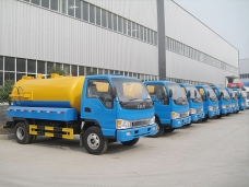 To Bangladesh - 7 units of Stainless Steel Industrial Vacuum Cleaners (4,000 liters) shipped in 2012